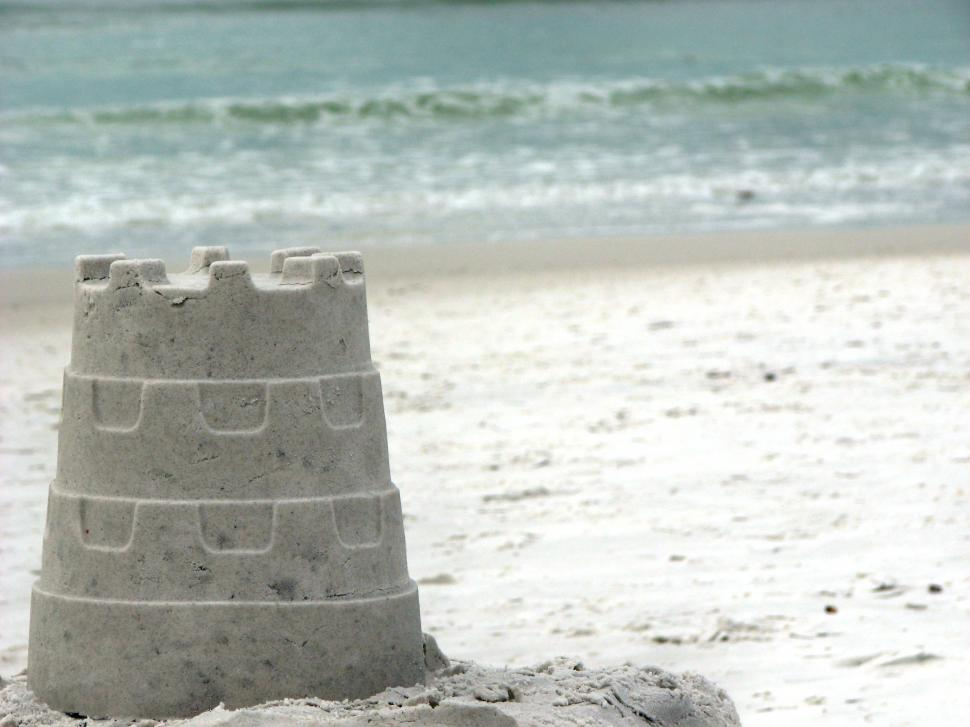 https://freerangestock.com/photos/33091/a-sandcastle-overlooking-the-ocean.html